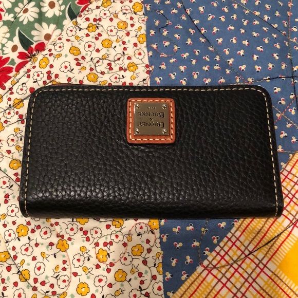 Small wallet type case Dooney cute excellent shape